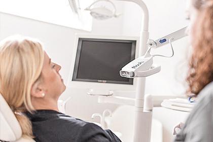 Ästhetik- Zahnarztpraxis Dr. Tolk + Team in Kreuzau bei Düren