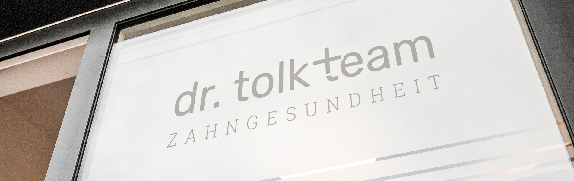 Kontakt- Zahnarztpraxis Dr. Tolk + Team in Kreuzau bei Düren