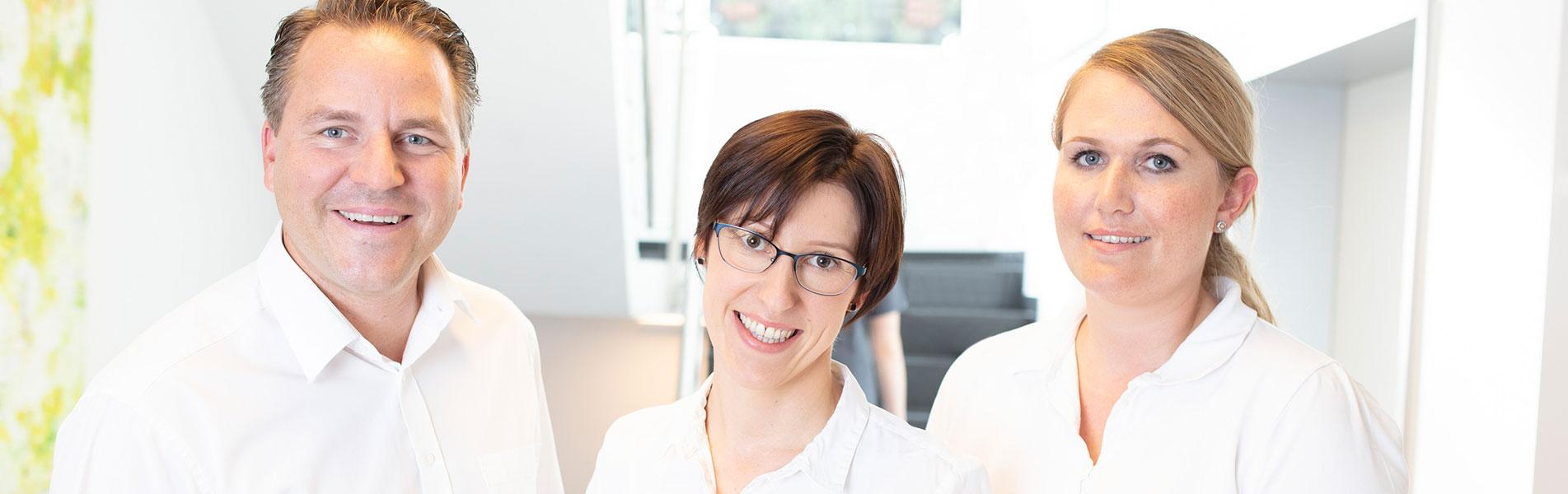 Ihre Zahnärzte- Zahnarztpraxis Dr. Tolk + Team in Kreuzau bei Düren